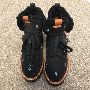 NWOT Coach winter boots size 9